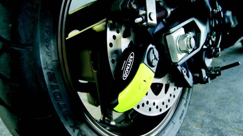 consejos para evitar robo moto usar antirrobo