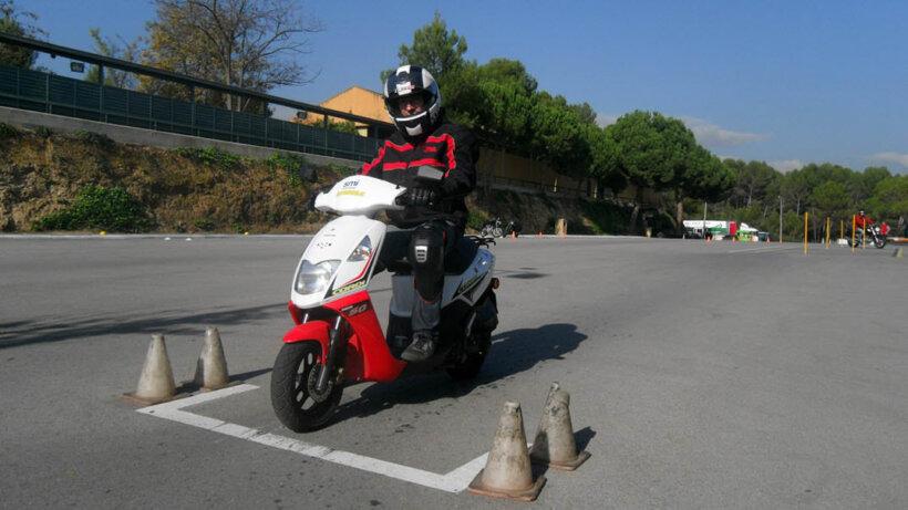 pasos obtener permiso ciclomotor superar prueba