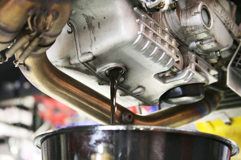 mantenimiento-moto-basico-aceite