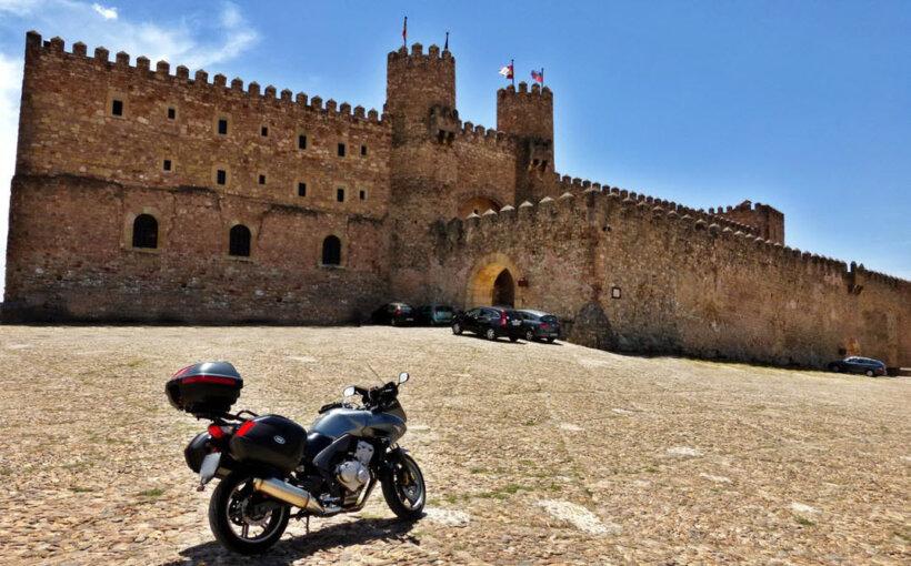mejores rutas moto españa castillo sigüenza