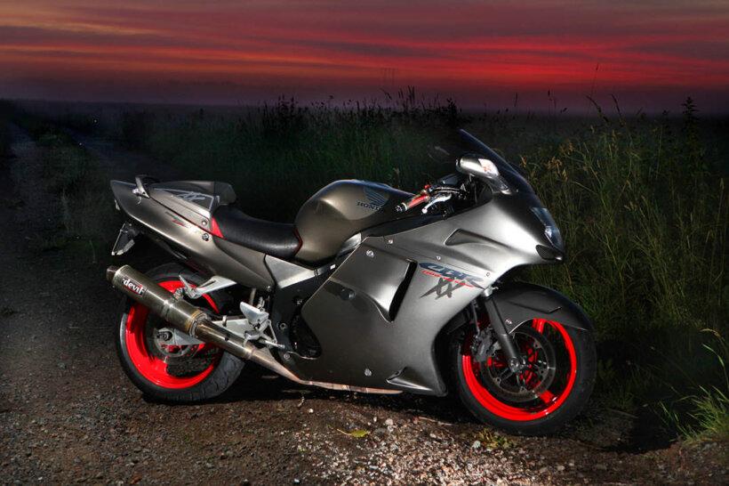 motos mas rapidas mundo honda cbr 1100 xx