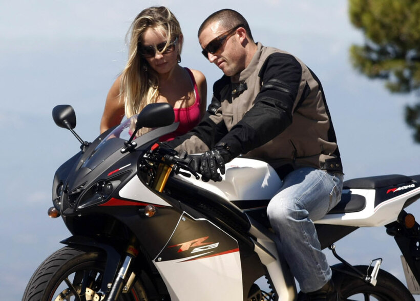 pasos cambiar aceite moto arrancar moto