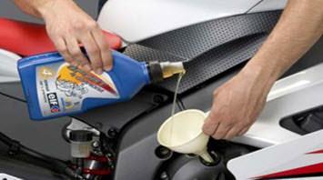 pasos cambiar aceite moto