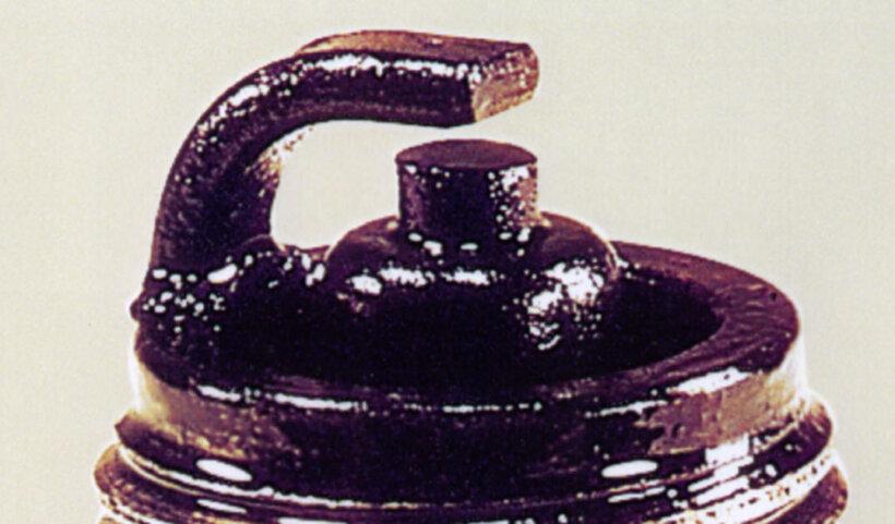 sintomas-bujia-deteccion-averias-motor-depositos-aceite