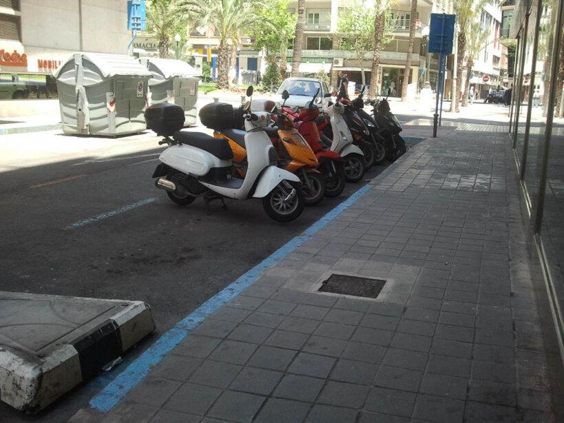 ventajas de motocicleta aparcar zona azul