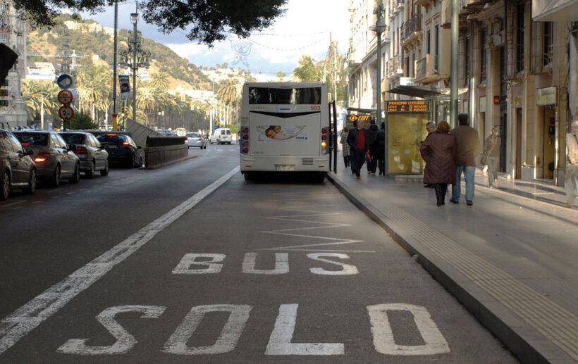 ventajas de motocicleta circular carril bus