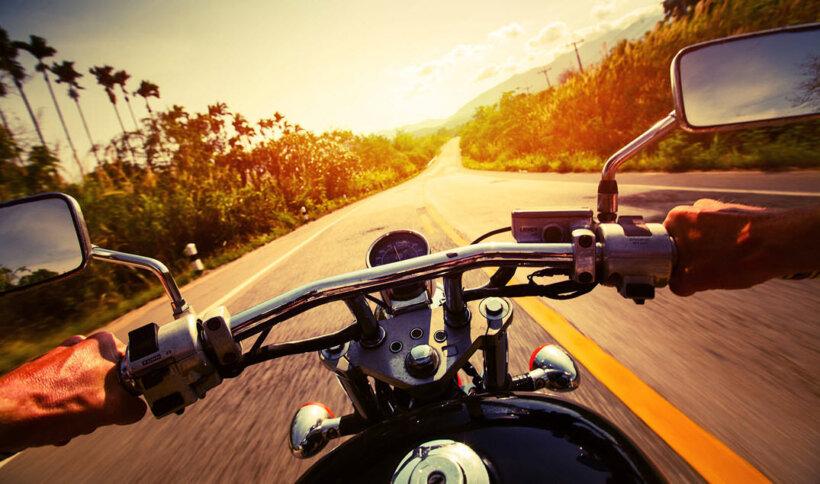 consejos conducir moto verano guantes