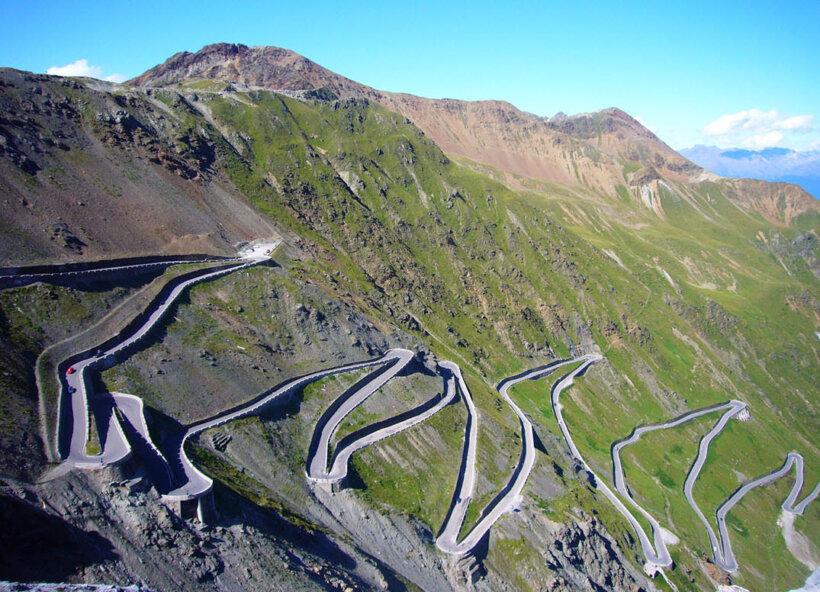 mejores carreteras mundo moto paso stelvio alpes italianos