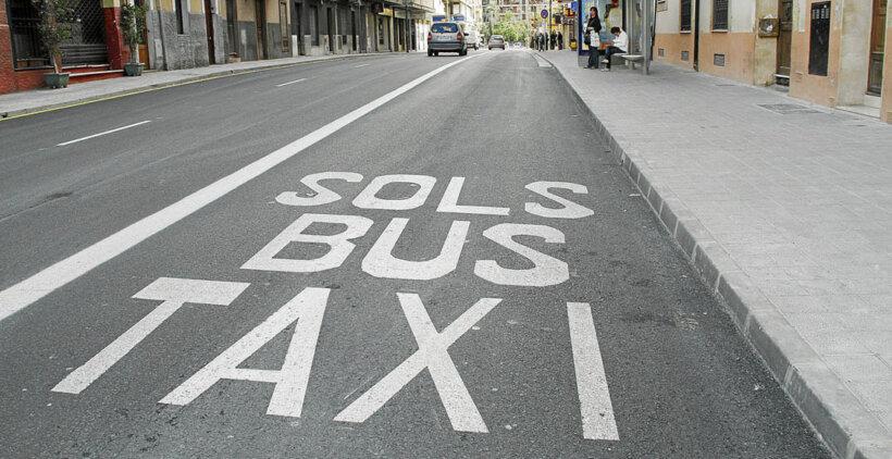 espacios carretera motos carril bus taxi