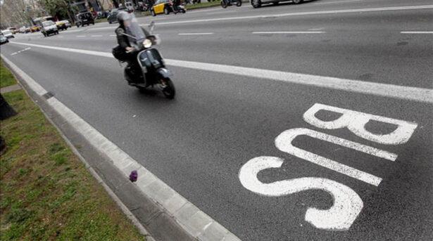 espacios carretera motos carril bus taxi semaforos