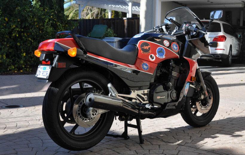 motos miticas cine kawasaki gpz 900 r top gun