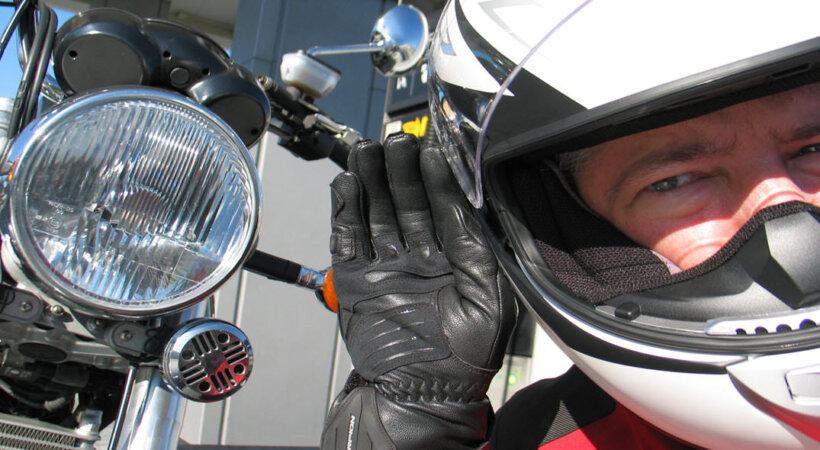 consejos aumentar visibilidad moto bocina