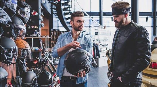 como elegir casco moto